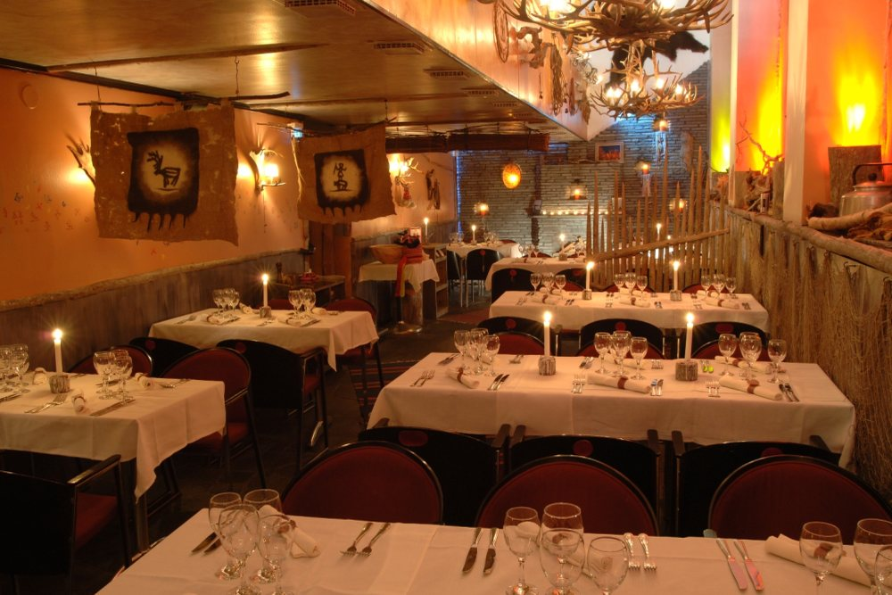 Saaga downstairs dining room1